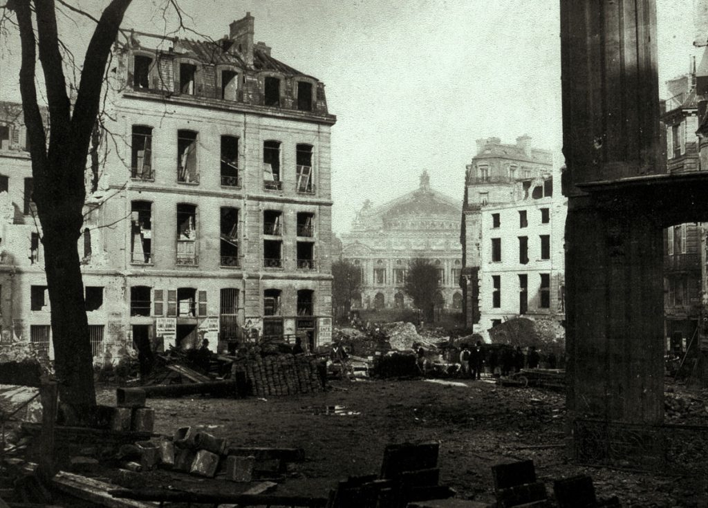 Charles Marville (1813–1879), Avenue de l'Opéra : démolition. Photographie, 1876, Brown University Library.