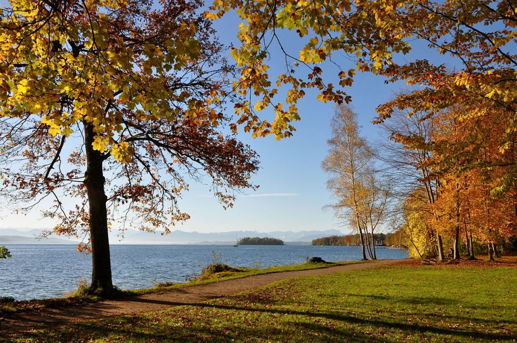 Rives du lac Starnberg. Licence Creative Commons. Crédits photographiques : Boschfoto