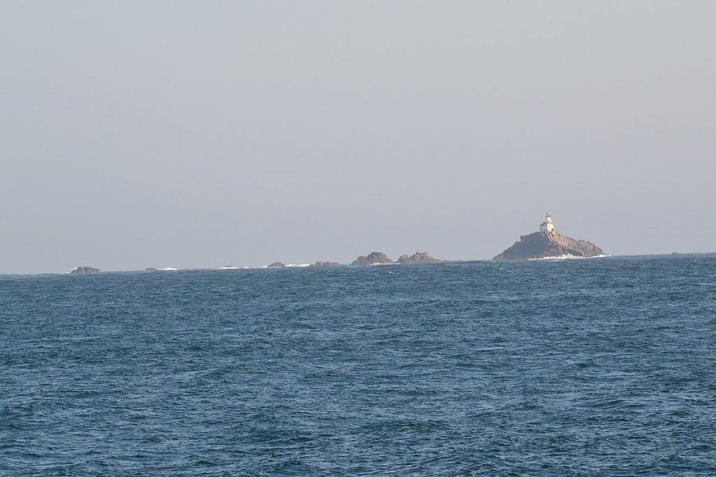 Le phare de Tévennec. Licence Creative Commons CC BY-SA 4.0. Crédits photographiques : Bastenbas.