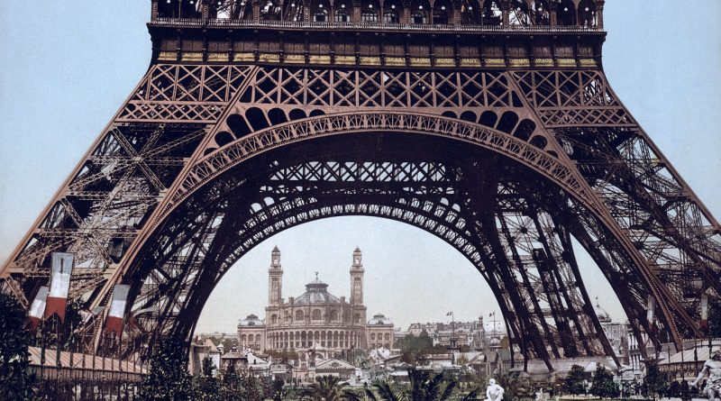 1280px-Eiffel_Tower_and_the_Trocadero,_Exposition_Universal,_1900,_Paris,_France