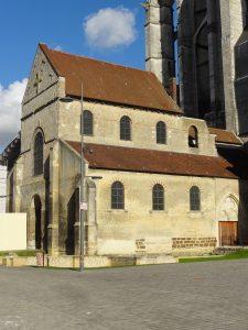 Beauvais_(60),_église_Notre-Dame-de-la-Basse-Œuvre,_élévation_sud_2
