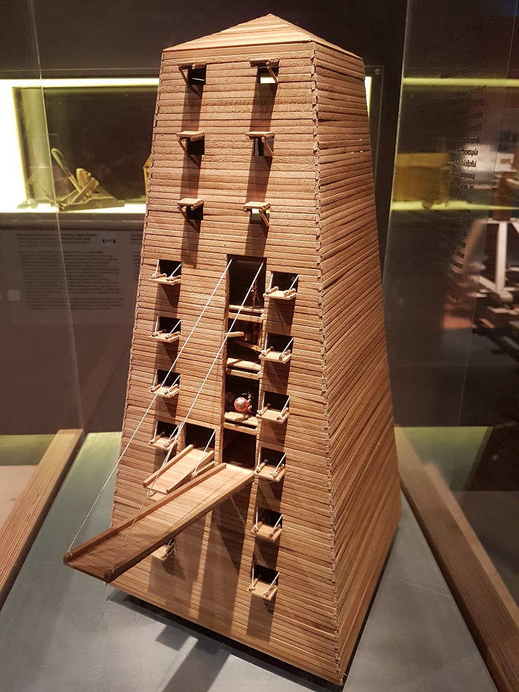 Helepolis_siege_tower,_4th_century_BC,_Greece_(model)