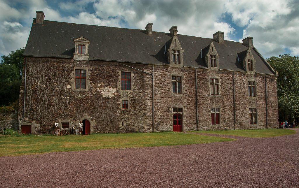 Le château de Comper.