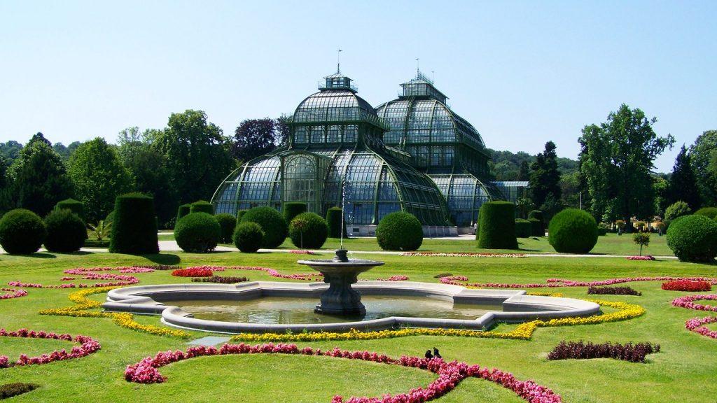 La serre aux palmiers construite d'après les plans de Franz Xaver Segenschmid en 1881-82