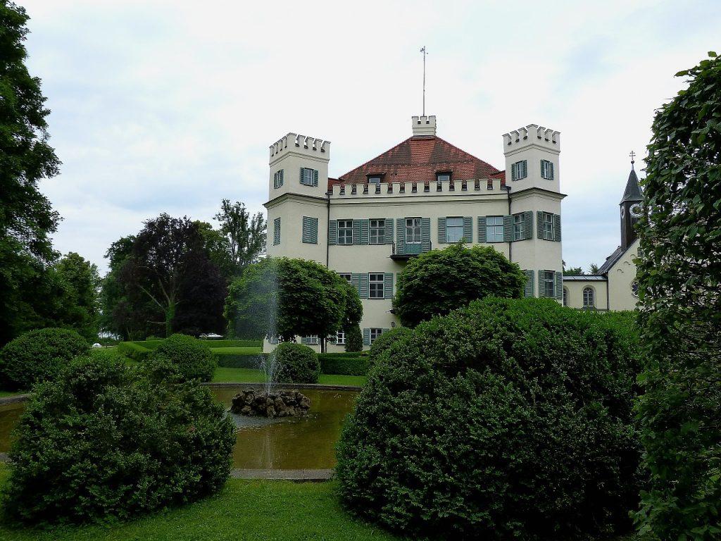 Vue du château de Possenhofen.
